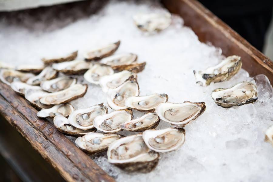 Whalesbone oyster house restaurant ottawa bank street